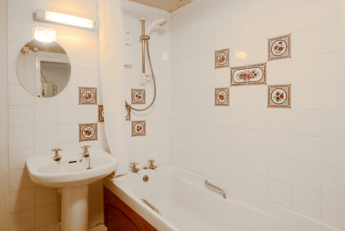Self Catering - As You Like It Cottage Stratford-upon-Avon - Bathroom