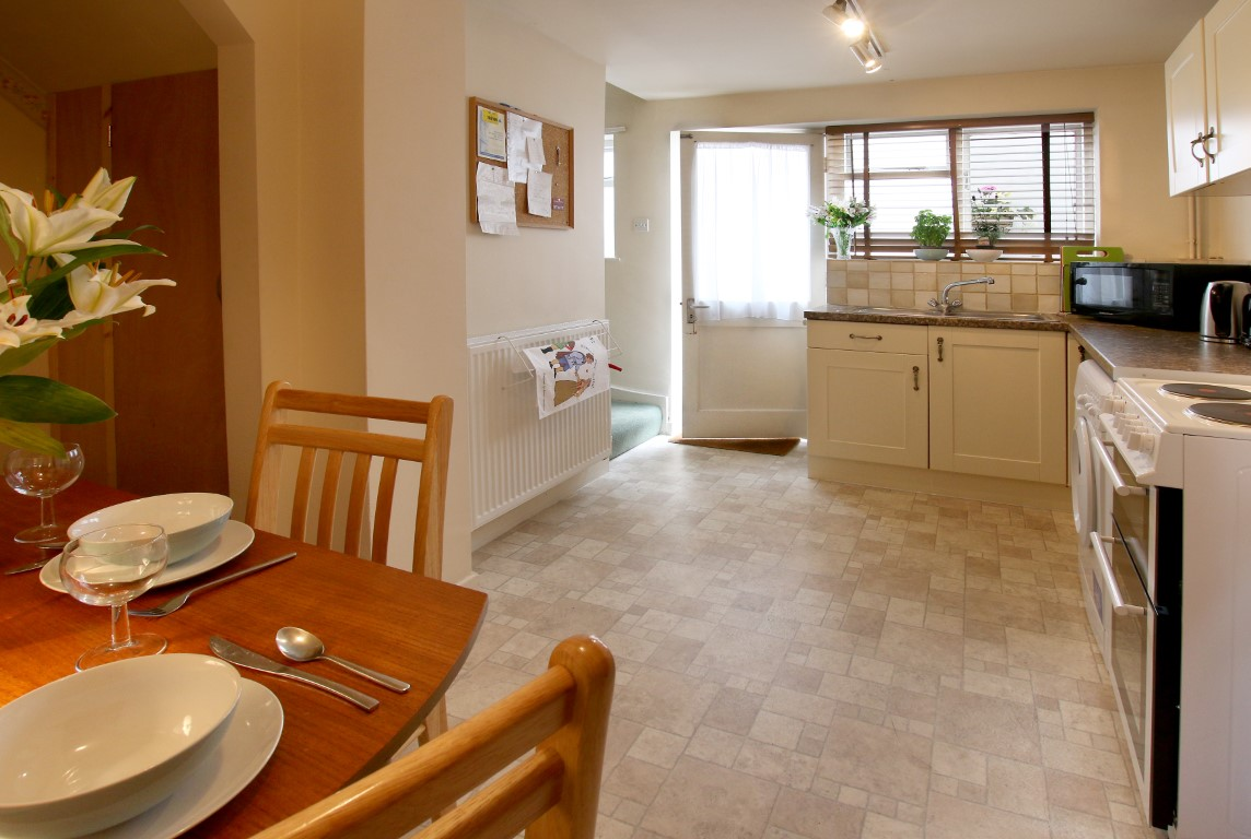 Self Catering - As You Like It Cottage Stratford-upon-Avon - Kitchen