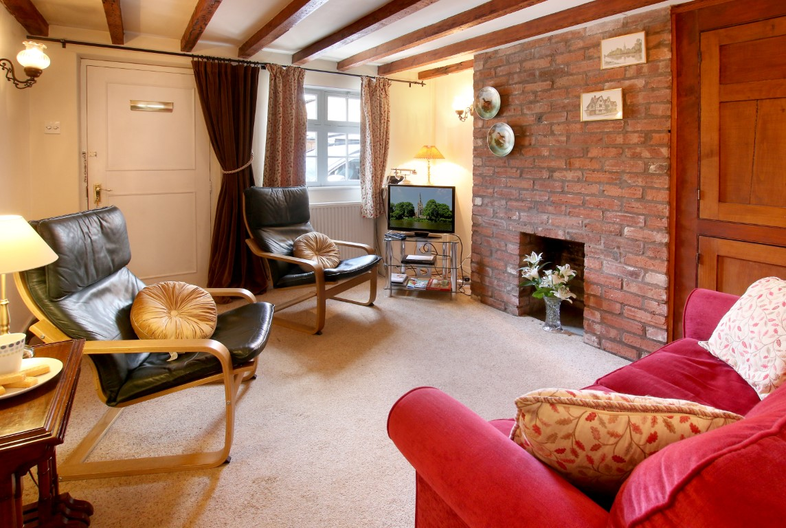 Self Catering - As You Like It Cottage Stratford-upon-Avon - Sitting Room