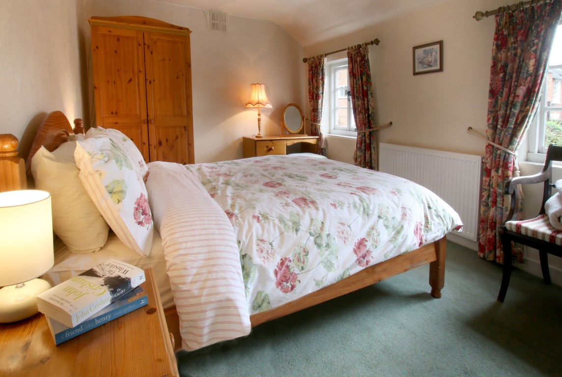 Self Catering - As You Like It Cottage Stratford-upon-Avon - Double Bedroom